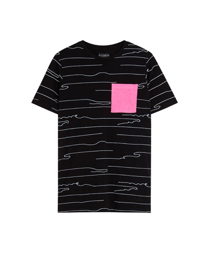 T-shirt with neon pocket
