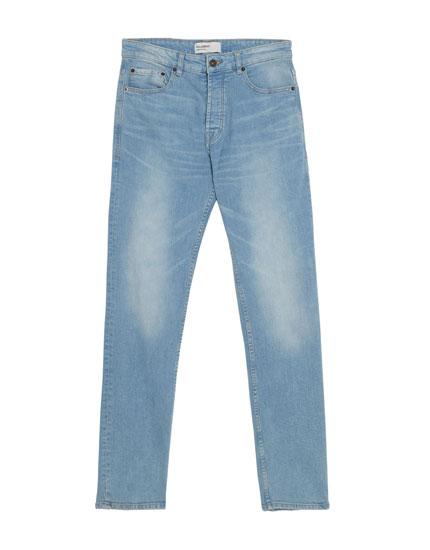 Hellblaue Jeans im Regular-Comfort-Fit-Jeans