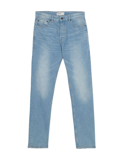 Regular comfort fit jeans in lichtblauw