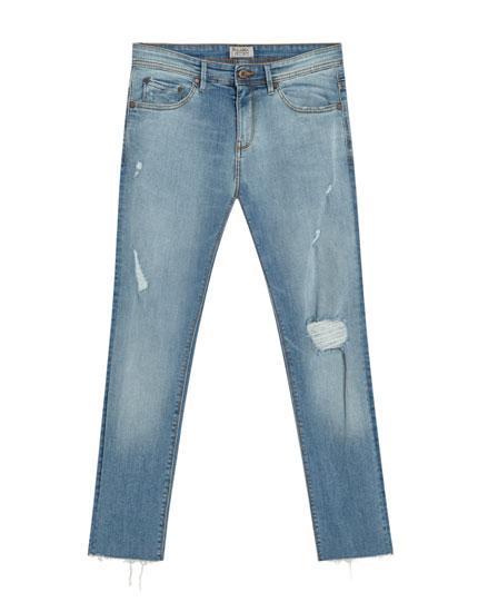 Super-Skinny-Fit-Jeans mit Rissen