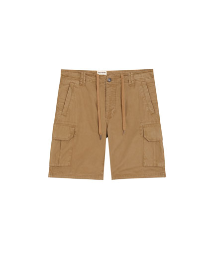 Basic Bermuda shorts with side pockets