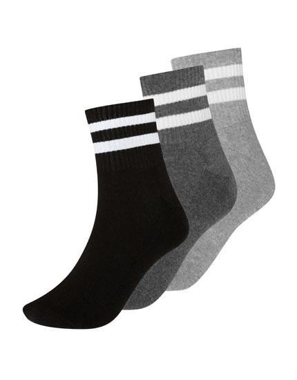 Striped medium-length socks