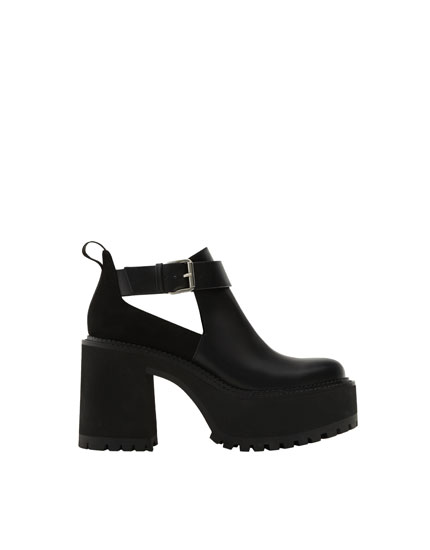Cut-out block heel ankle boots