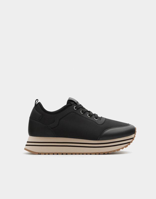 Schwarze sneaker glitzer