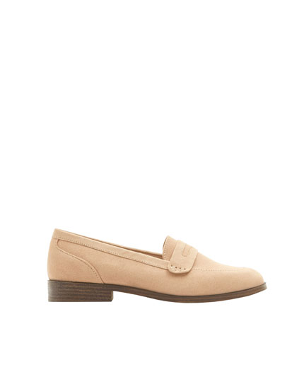 Basic pink loafers