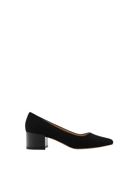 Black mid heel shoes