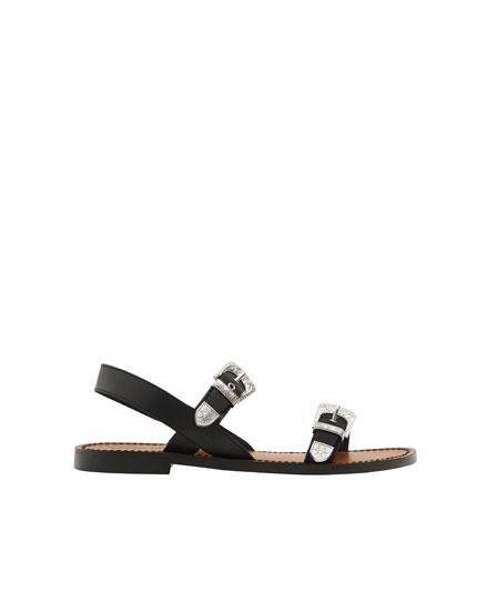 Buckled fashion sandals