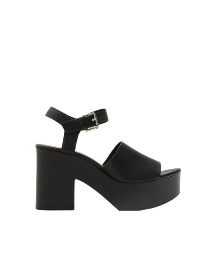 High heel urban sandals