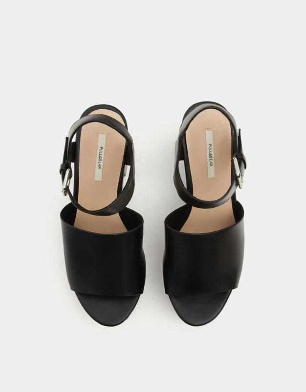 High heel urban sandals