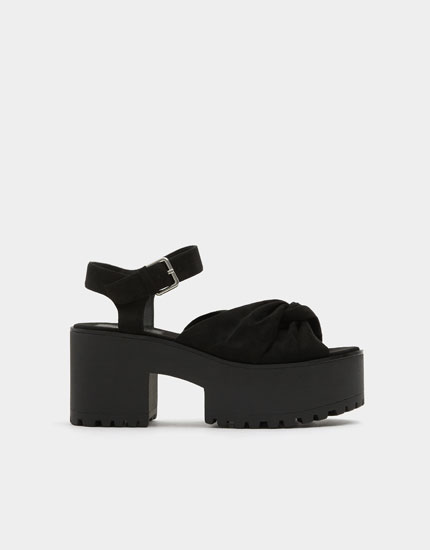 Black block heel sandals with knot detail