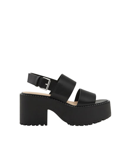 Block heel sandals with topstitching detail