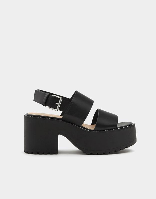 Block heel sandals with topstitching detail