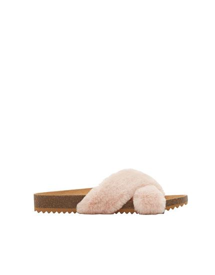 Criss-cross faux fur sandals