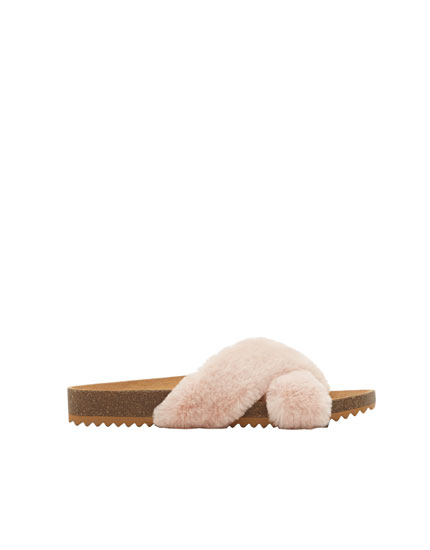 Criss-cross faux fur sandals
