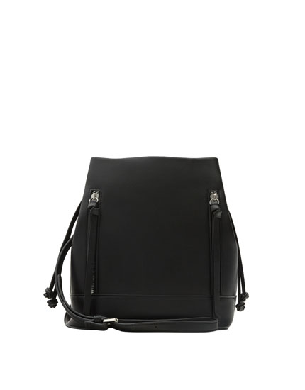 Bucket bag with zip details