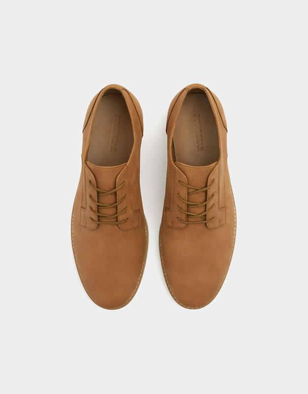 Elegante Schuhe in Braun mit Rahmen - PULL&BEAR