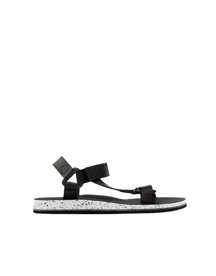 Sandals with straps and flecked sole