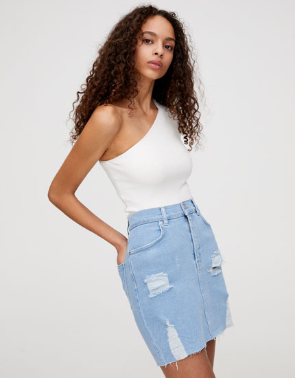 51e1e3bad9 Discover the latest in Women's Trendy Skirts | PULL&BEAR