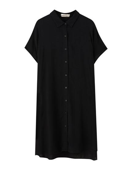 Μαύρο κοντομάνικο φόρεμα σεμιζιέ