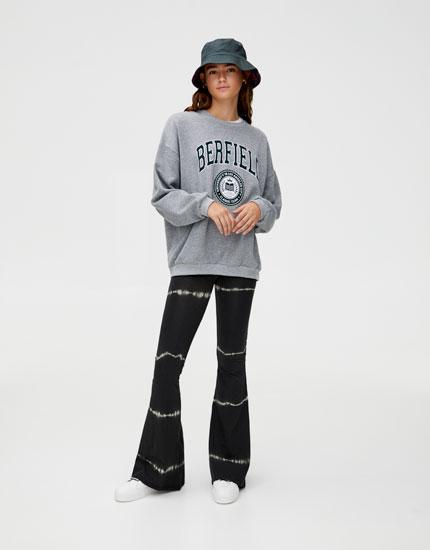 Sweatshirt colégio com texto