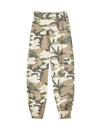Pantalon chino type cargo chaîne