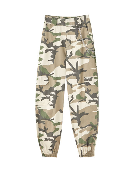 Camouflage chino trousers with chain