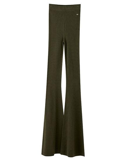 Pantalon évasé en maille côtelé