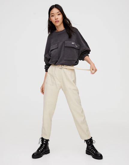 Pantalon ceinture avec boucle