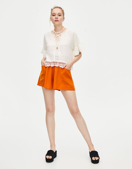 Basic loose-fitting Bermuda shorts