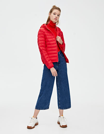 Hooded puffer jacket with pockets
