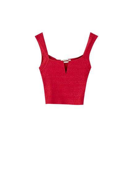 T-shirt med V-udskæring og brede stropper