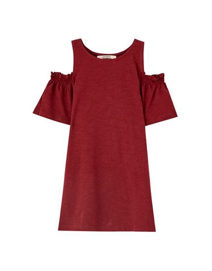 T-shirt with cut-out shoulders