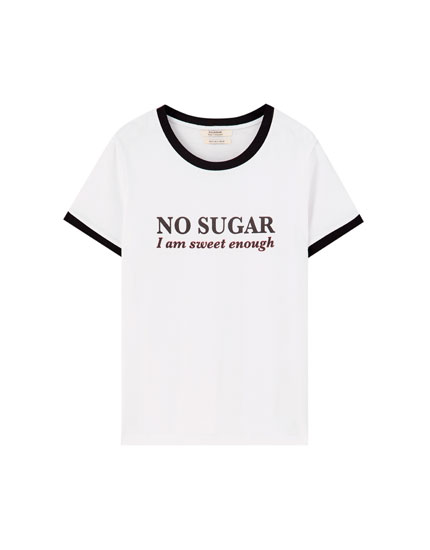 T-shirt with contrast slogan and ribbed detail