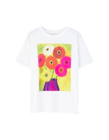 T-shirt med farverigt blomstermotiv