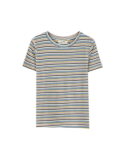 Μπλούζα με ρίγες σε διάφορα αντιθετικά χρώματα