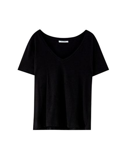 Basic T-shirt met V-hals