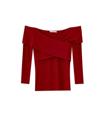 Plain crossover neckline T-shirt