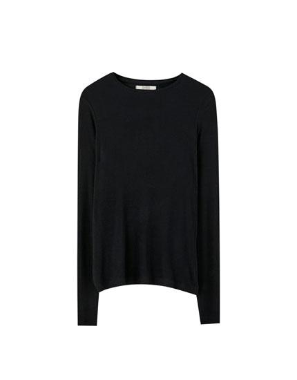 Basic, langærmet T-shirt med rib