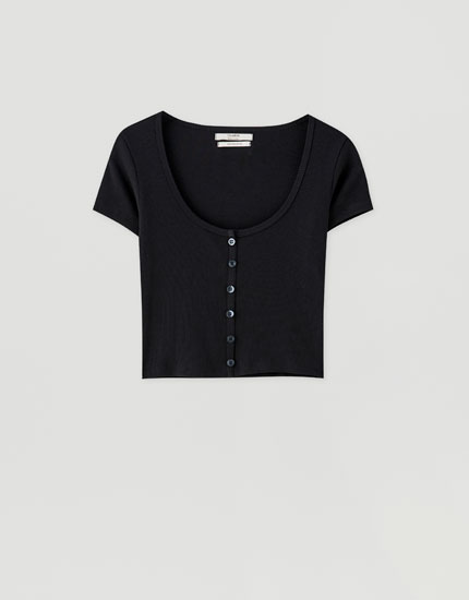 Short sleeve T-shirt with buttons