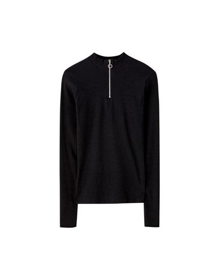 T-shirt noir côtelé avec fermeture éclair