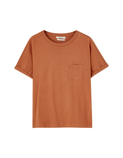 Basic T-shirt with turn-up sleeves