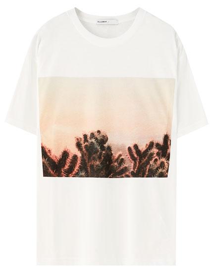 Camiseta blanca ilustración cactus
