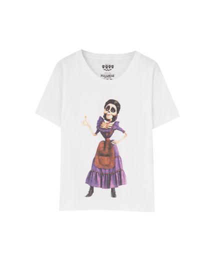 T-shirt med Mamá Imelda fra Coco