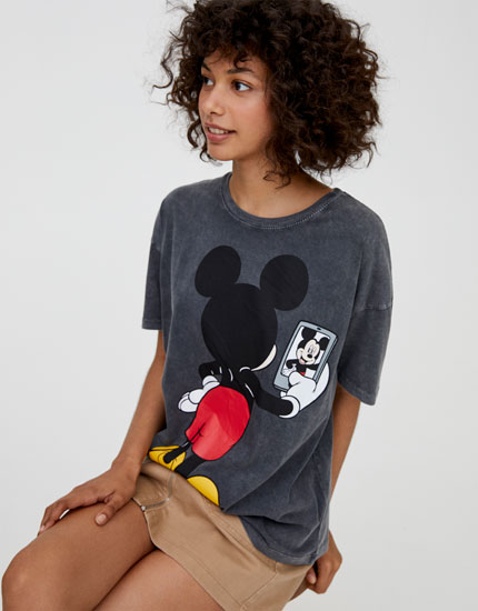 T-shirt do Mickey Mouse com selfie
