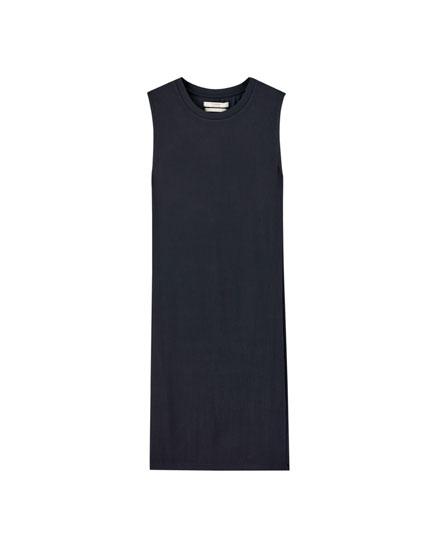 Vestido mini canalé sin mangas