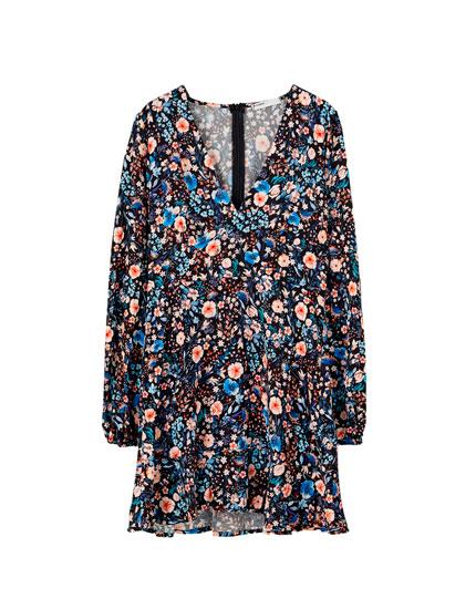 Μίνι φλοράλ φόρεμα με τριαντάφυλλα