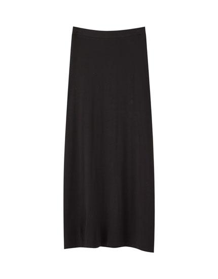 Lang nederdel med slidser