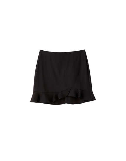Black basic ruffled mini skirt
