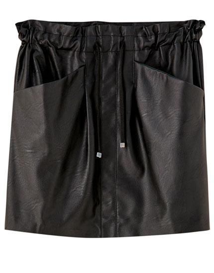 Minifalda cordón efecto piel