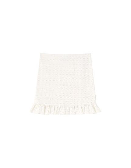 Falda blanca bordado suizo